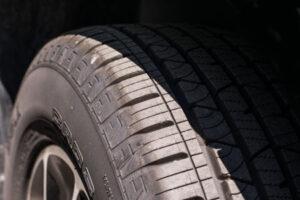 Neumático con dibujo